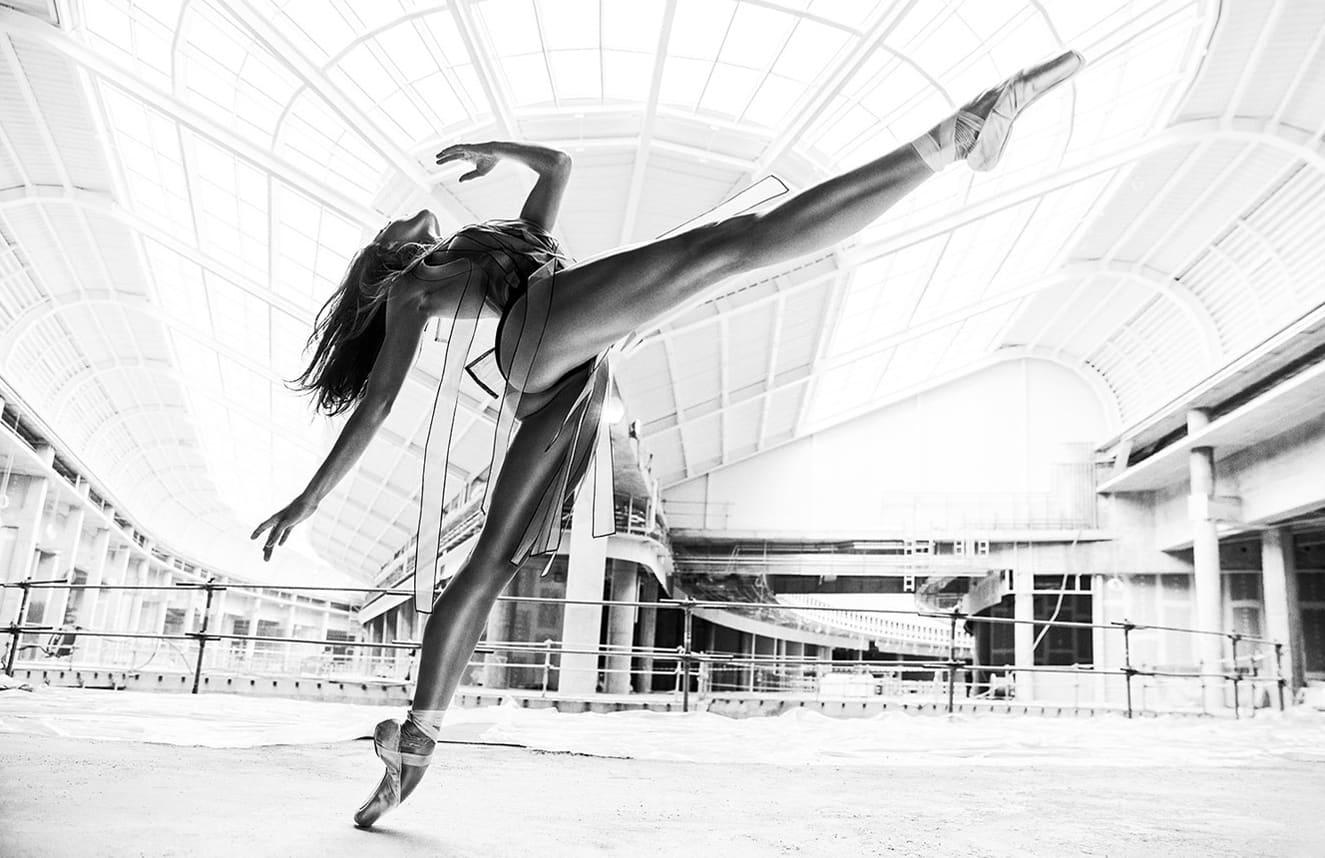 Plakat #10 fot. Szymon Brodziak